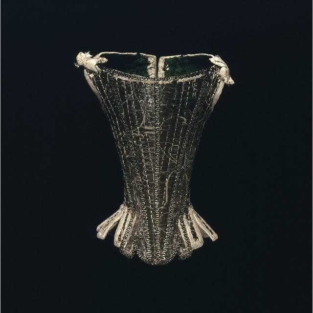 Vintage corset via Wilhelmina Marquart