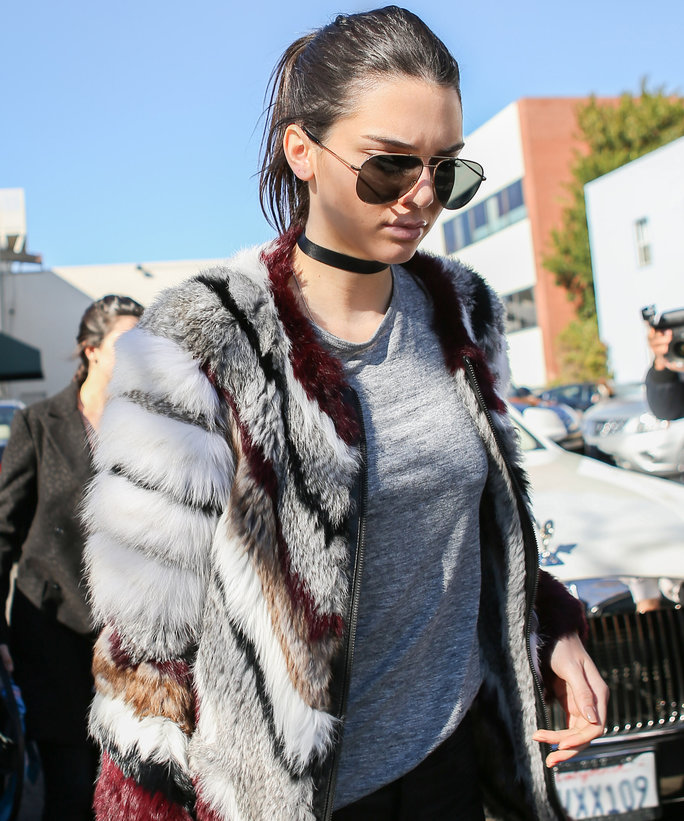 Kendall Jenner rocking a choker via In Style