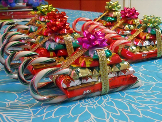 Make a sleigh out of their favorite candy with inspiration from Postris.